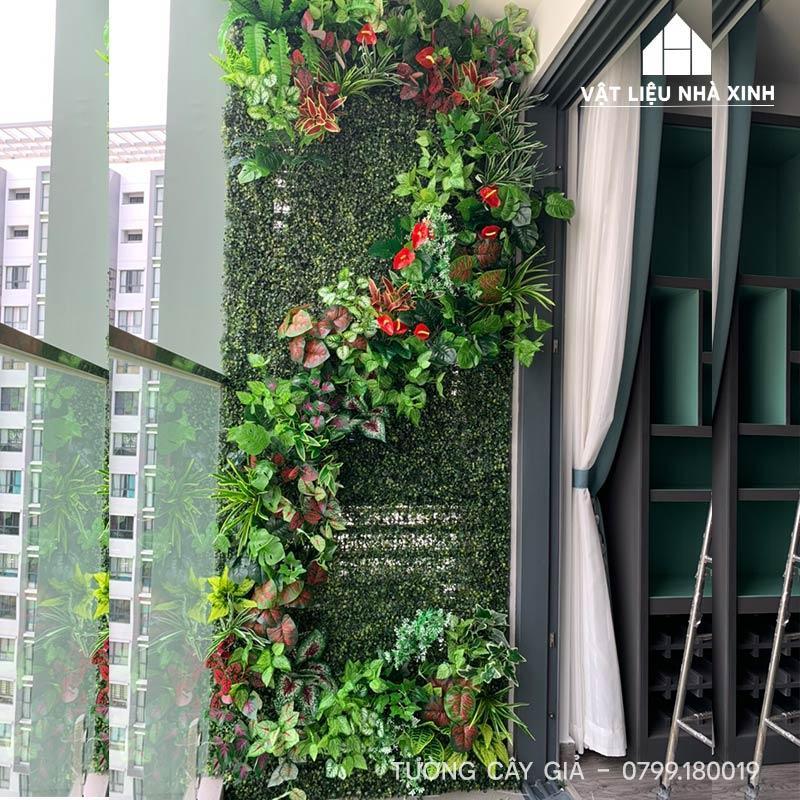 tường cỏ nhân tạo bancony