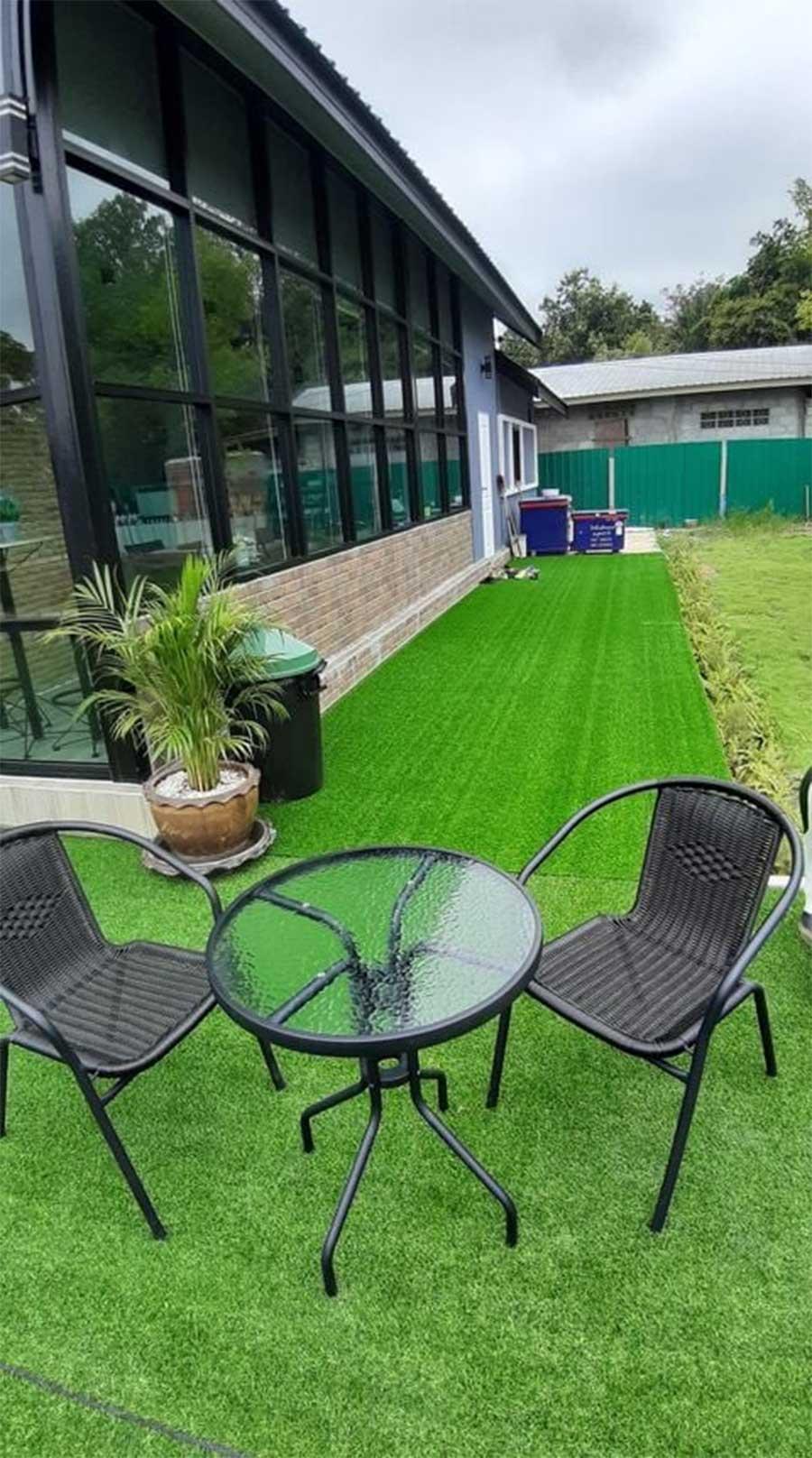 Thảm cỏ trang trí ban công