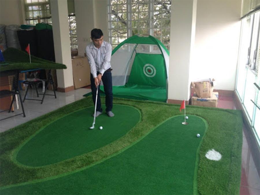 Thảm cỏ sân Golf mini trong nhà