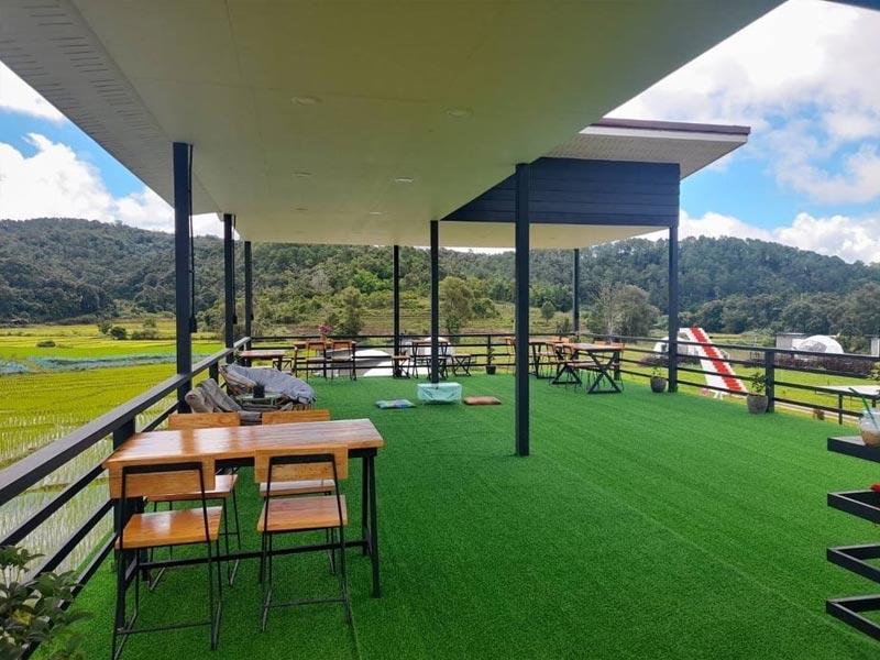 Thi công cỏ nhân tạo quán cafe